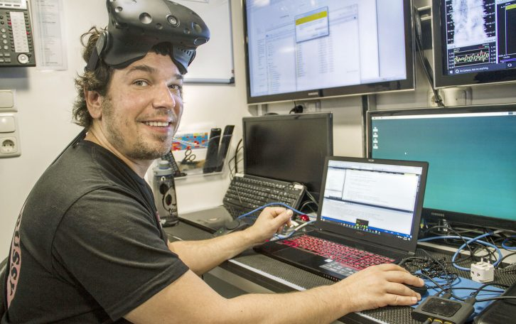 Benjamin Knorlein is a Computer Scientist from the Center for Computation and Visualization from Brown University, he is working on the design of software that will enable scientists to study plankton through virtual reality.