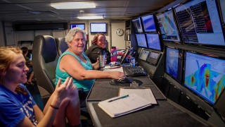Scientists from different fields and crew members of different specialties interact 24 hours a day onboard research vessels.