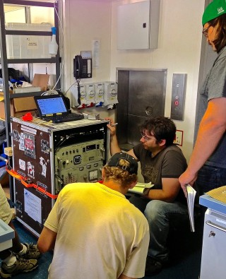 Installing the gravimeter in the main lab
