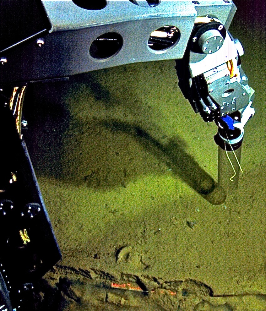 Nereus collecting a sediment core from the Challenger Deep during a 2009 expedition