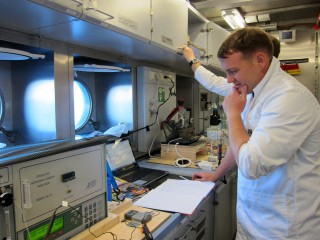 Anton Kuret analyzing the concentration of dissolved inorganic carbon (DIC) of water samples collected during the Perth Canyon cruise. DIC is one of several parameters needed to calculate the carbonate chemistry of seawater.